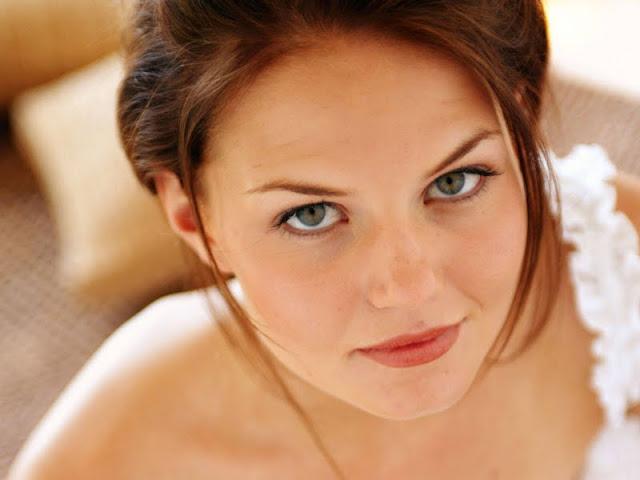 Jennifer Morrison have a beautiful face