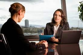 4 Keuntungan Memiliki Sahabat Di Kantor
