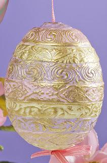 Пасхальное яйцо с узорчатыми бордюрами из FIMO effect