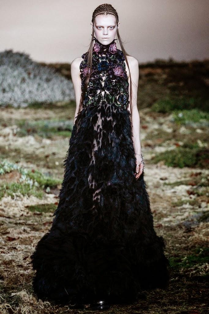 Alexander McQueen Paris Fashion Week Otoño Invierno 2014-2015 28