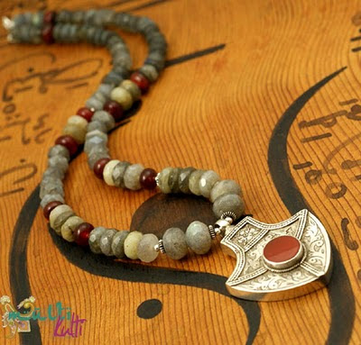 naszyjnik z perskim wisiorem