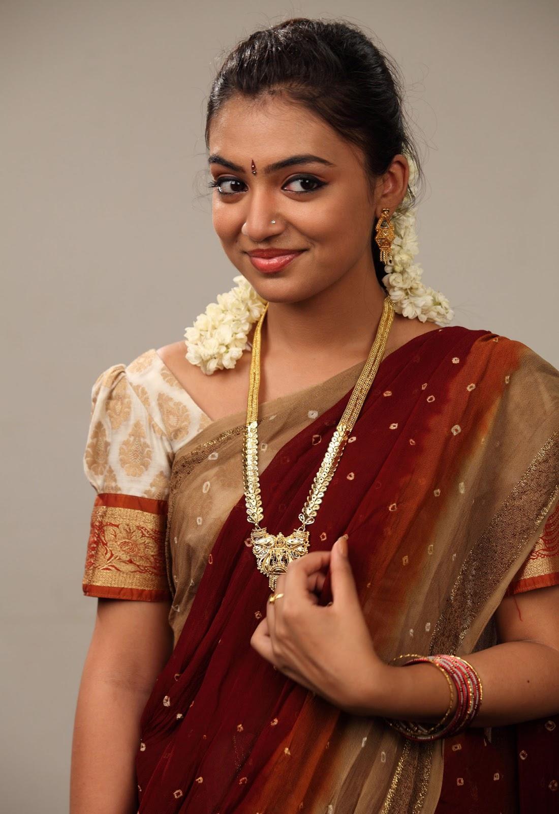 cute actress nazriya nazim in saree latest photos