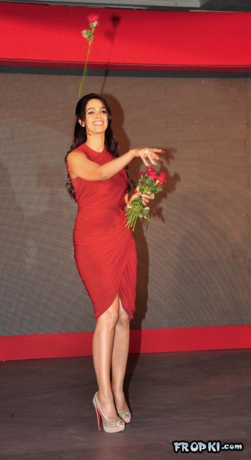 Mallika  Anchor To TV show-The Bachelorette India