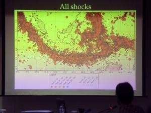 Foto gempa bali 13 oktober 2011 hari ini