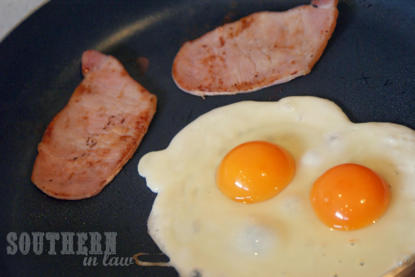 Healthy Bacon and Eggs for Breakfast