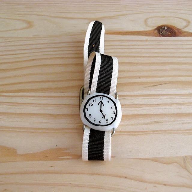 Reloj falso de Misako Mimoko