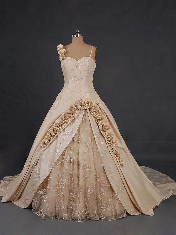 ieuser fahsion blog admirable sweetheart chapel train wedding dress