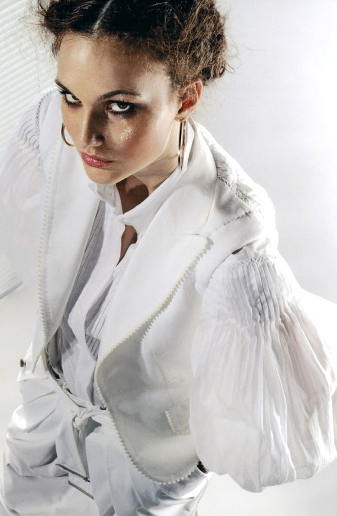 white shirt in Gianfranco Ferre Spring/Summer 2006 campaign