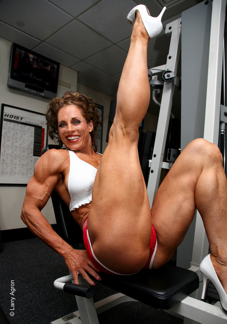 Theresa Hendricks Posing Her Great Legs And Muscles