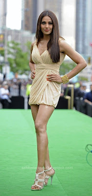Bipasha basu looking hot