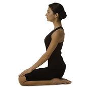 vajraasanam, ulluruppugalai valimai aakkum vajraasanam, yoga in tamil, health tips in tamil, yoga seimurai, vajrasana benefits