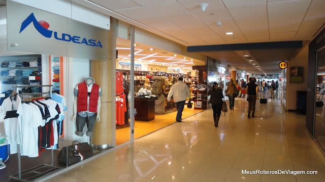 Lojas no Aeroporto de Santiago do Chile