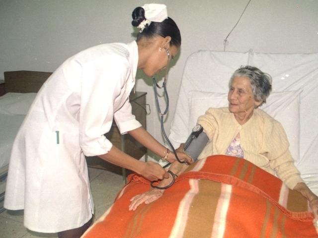 Baño General Del Paciente En Regadera:CENTRO DE CUIDADO INTEGRAL DE ENFERMERIA A DOMICILIO