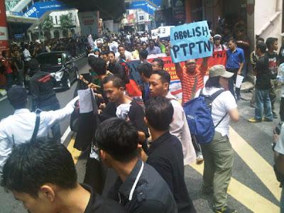 Sekitar demokrasi PTPTN