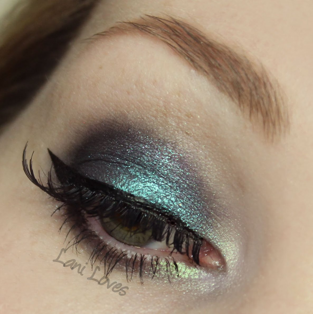 Fyrinnae Arcane Magic Eyeshadow - Sorceress Swatches & Review