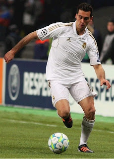Arbeloa playing a UEFA Champions League match