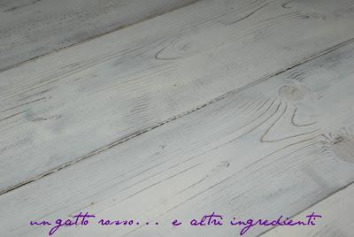 Un gatto rosso e altri ingredienti pavimento di legno bianco decapato tutorial - Mobili pitturati ...