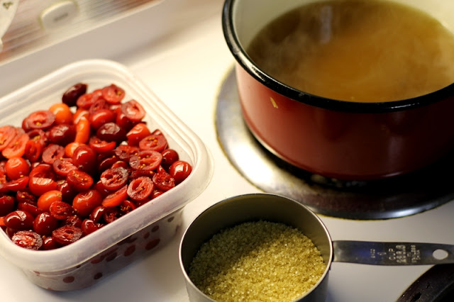 DIY craisin ingredients - cranberries, sugar, water