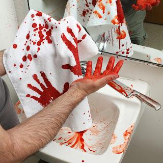 krwawy ręcznik do rąk