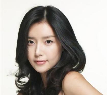 Chae Jung Ahn pemeran queen of reversals - drama korea