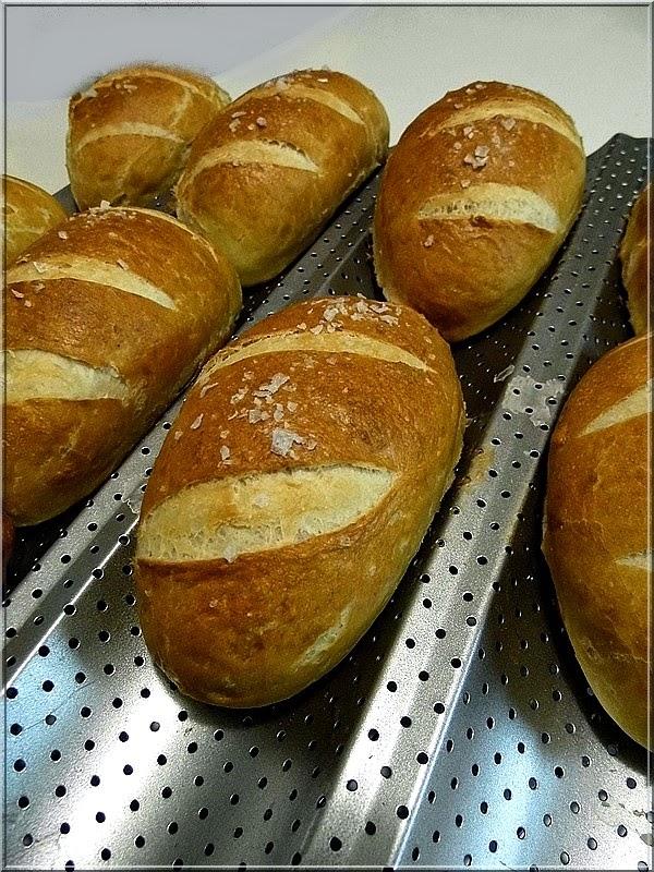 Bajor zsemle - Forrás és recept: Limara péksége