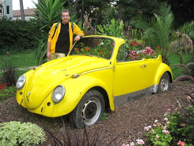 Creative and Cool Ways To Reuse Cars (30) 21