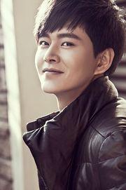 Biodata Huang Ming pemeran tokoh Zheng Qi