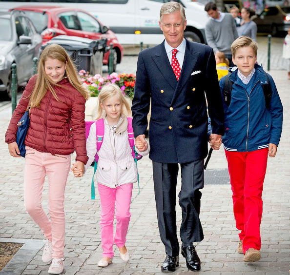 King Philippe Took His Children To School