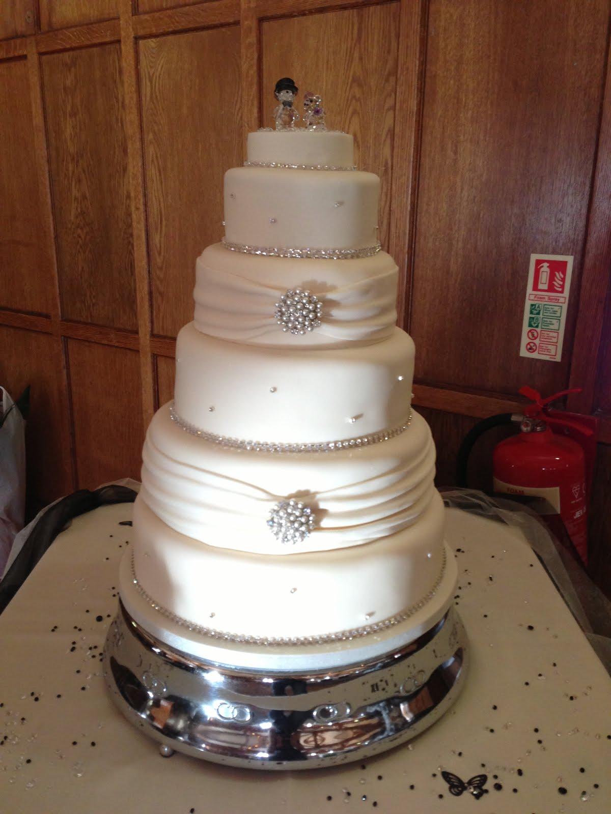 Sarah T Cakes 5 Tier wedding cake