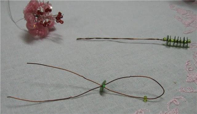 Букетик из пайеток и бисера   Bunch of sequins and beads