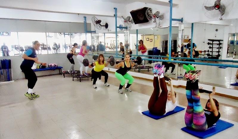 Circuito Na Academia : Diva responde treino em circuito