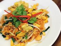 Legendary Noodles Pad Thai In Bangkok