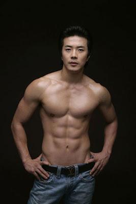 Inilah 10 Pria Tertampan dan Terseksi Dari Korea