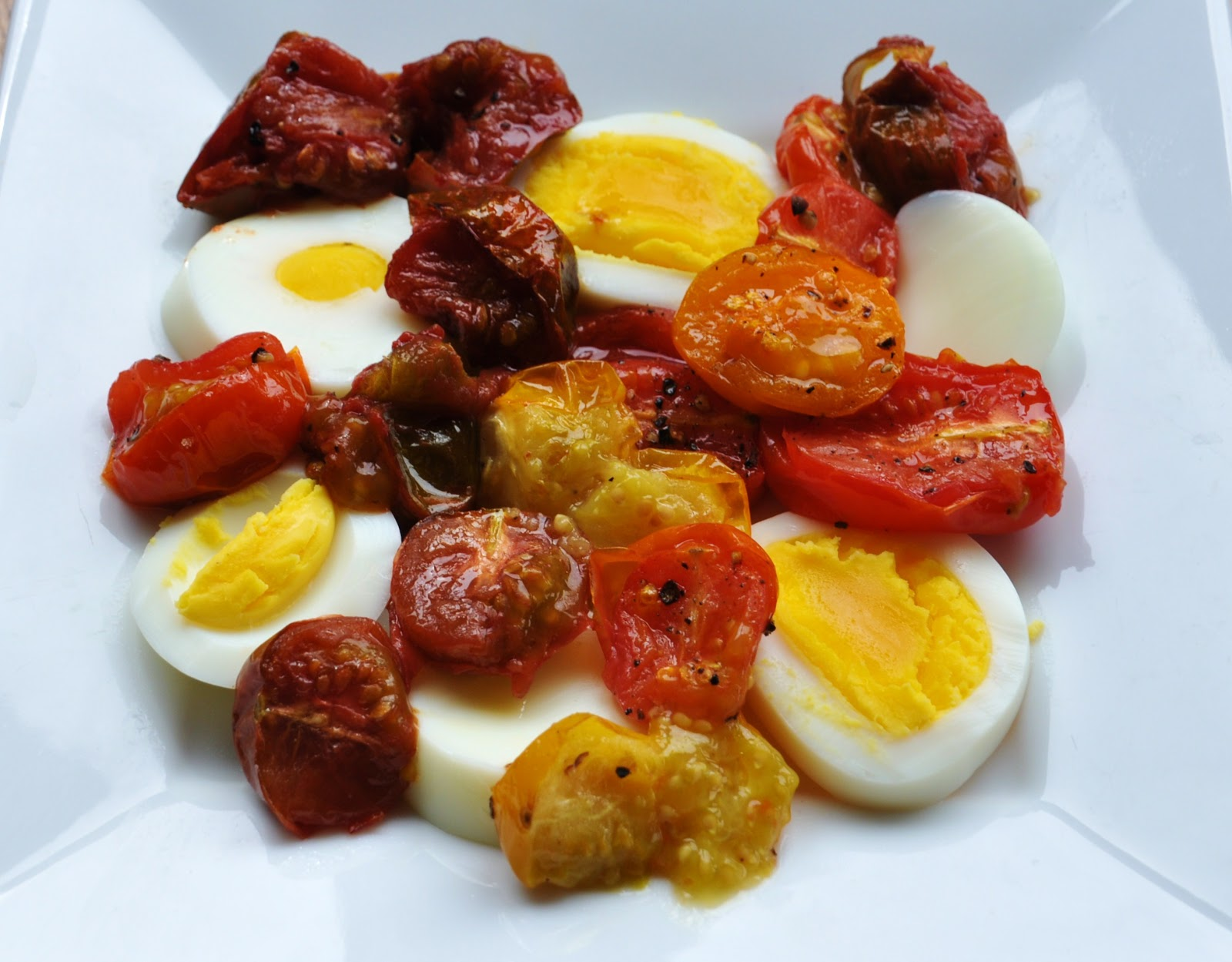 A LA GRAHAM: ROASTED TOMATOES, EGG AND CRUSHED CROUTONS ...