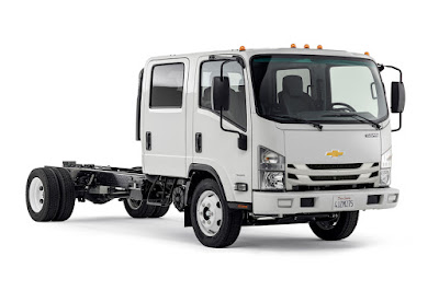 Chevrolet Low Cab Forward 4500 Crew Cab (2016) Front Side