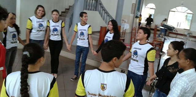 Jovens missionários renovam sua consagração em Macapá