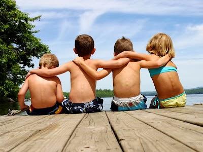 relacionamentos, clube da luluzinha, clube do bolinha, amizade, amigo, amiga, grupo de homens, grupo de mulheres, feminino, masculino, masculinidade, compartilhar, experiências