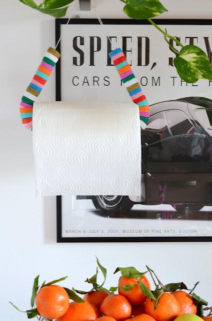 porta rotolo di carta realizzato con materiali di riciclo