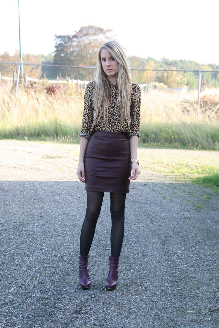 Leather pencil skirt outfit | All about the style | Bloglovinu2019