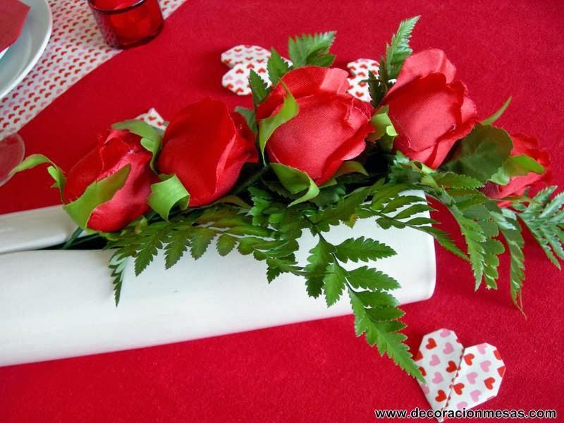 decoracion mesa San Valentin centro mesa rosas rojas