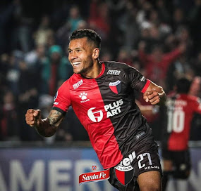 Wilson Morelo, doblete con Colón frente a Gimnasia