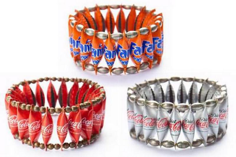 http://3.bp.blogspot.com/-3rwRV7YghJY/TiQWTxIFcbI/AAAAAAAAEuE/bhgqQoKGYLE/s1600/bottle%2Bcaps%2Bjewelry.jpg