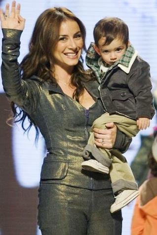 Claudia Lizaldi con su hermoso hijo