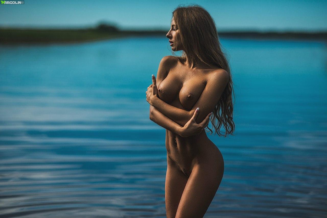 short nude women cute