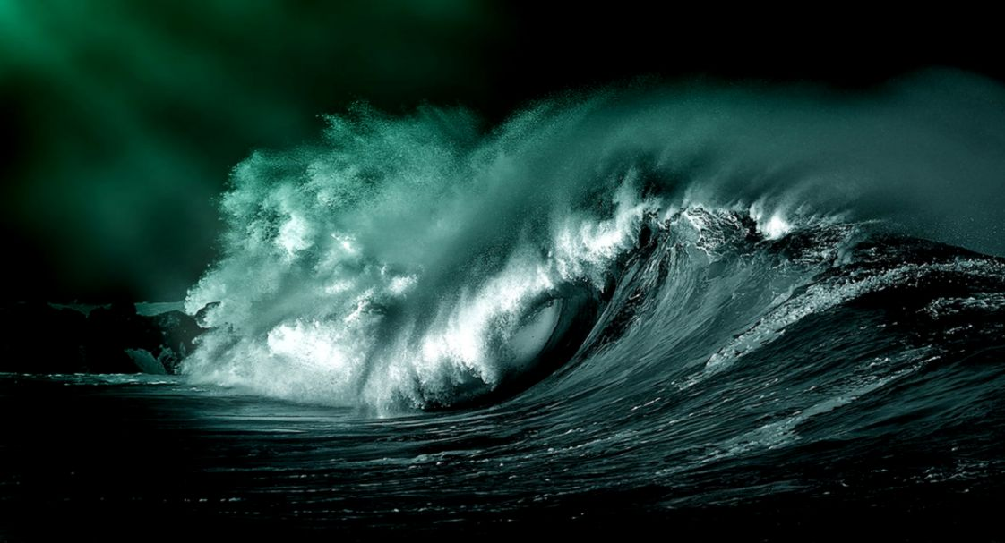 30 Beautiful Ocean Wave Photographs   Blog