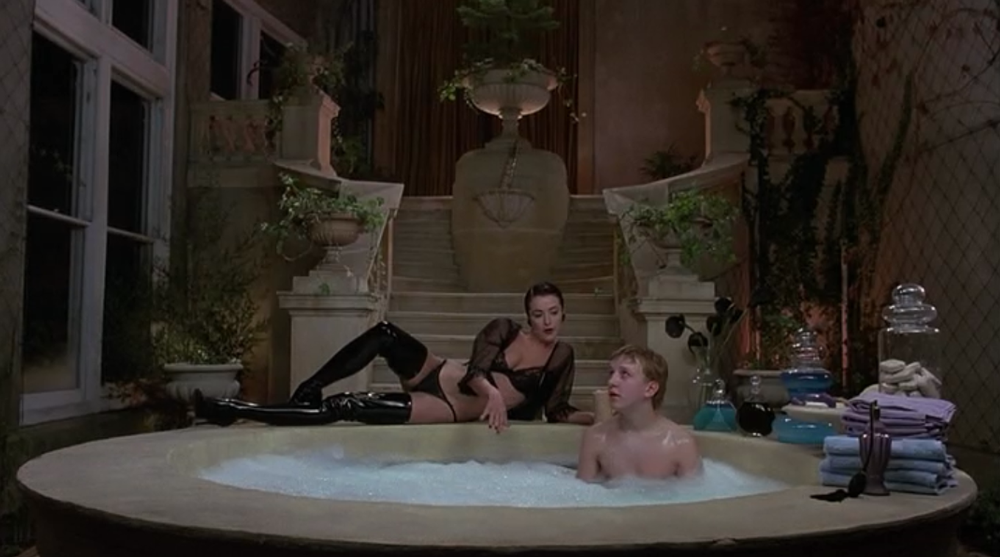 Amanda Donohoe in The Lair of the White Worm