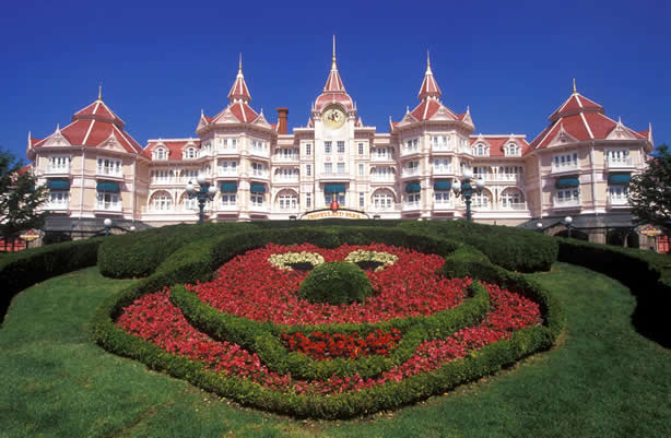 Disneyland paris attractions travelling ideas for Hotels eurodisney