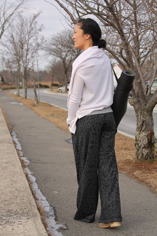 lululemon forward fold pant
