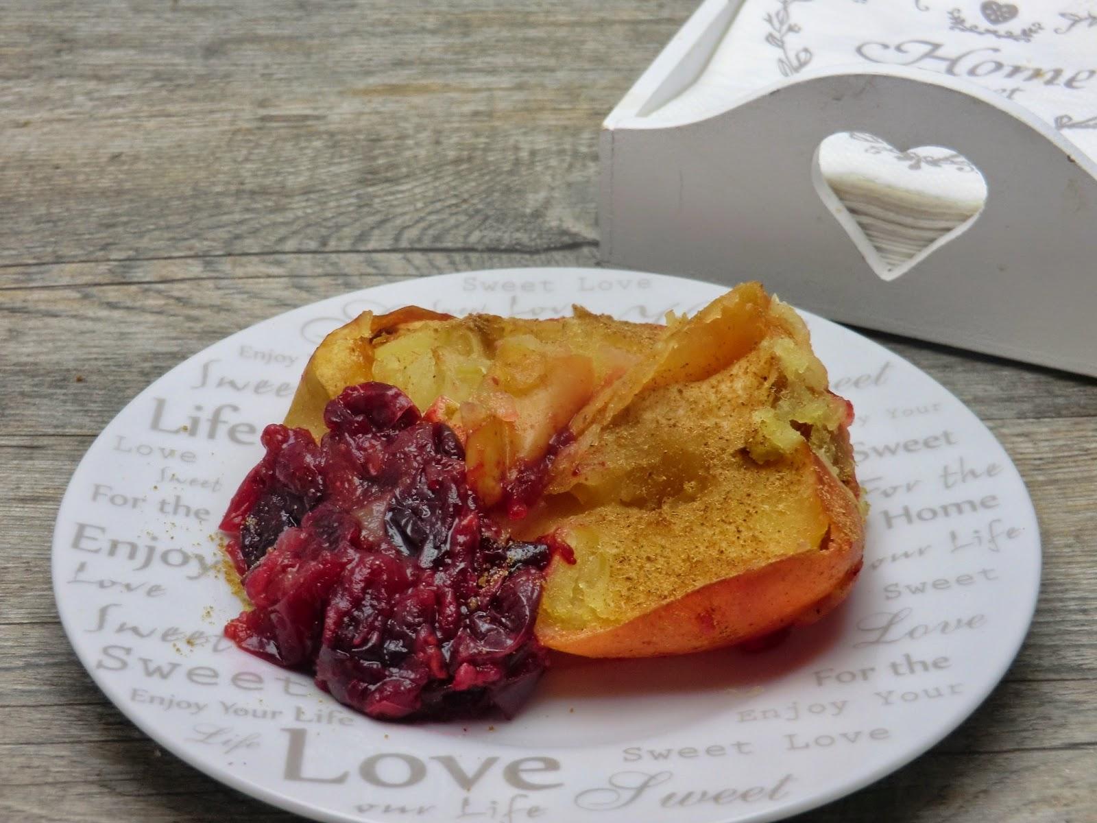 Pommes au four et cranberries fraîches à la cannelle sans gluten et sans lactose.