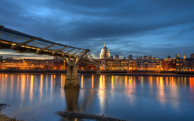 Puente sobre el río Támesis - Thames River Bridge